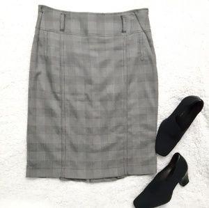 Plaid heathered gray skirt